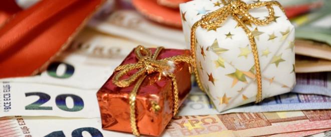 weihnachtsgeld wann es gezahlt wird und wer es bekommt. Black Bedroom Furniture Sets. Home Design Ideas