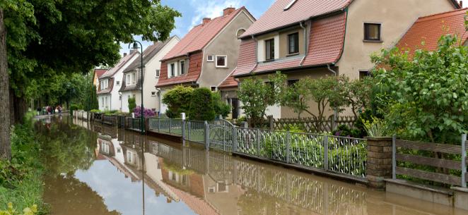 Sommergewitter im Anmarsch: Was tun bei Unwetterschäden?