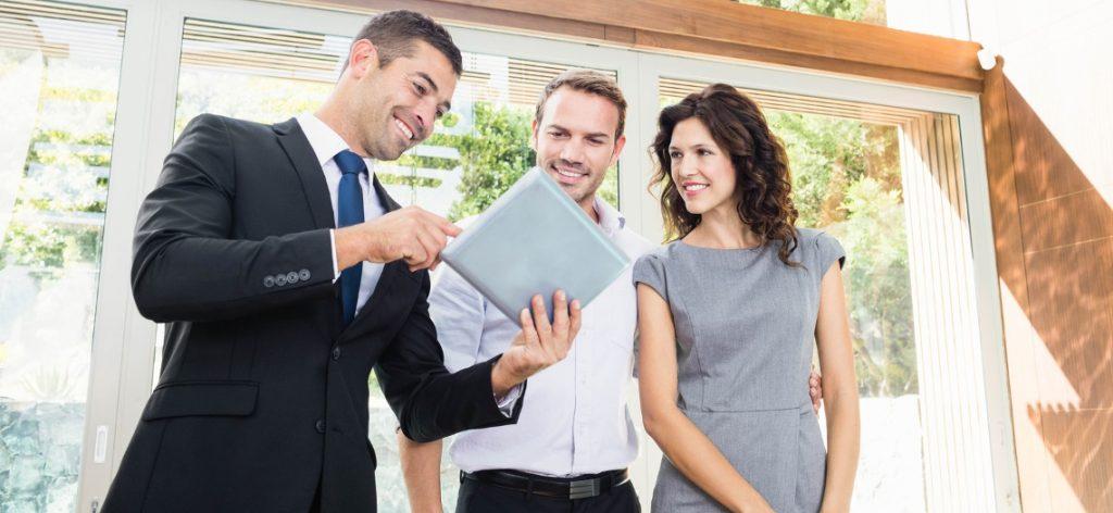 Maklergebühren bei Hauskauf: Wer zahlt die Provision?