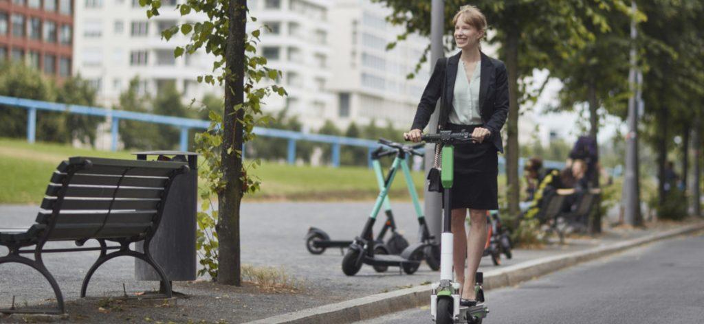 E-Scooter fahren: Die wichtigsten Verkehrsregeln